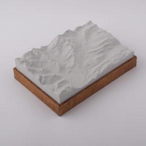 Dieses Bild zeigt ein Foto eines 3D Bergmodell oder Gebirgsmodell bzw. Landschaftsmodell vom Alpen Skigebiet Oberstdorf - Kleinwalsertal. Inhaber: Bergreliefs.de-Shop. Bergreliefs fertigt Modell von Alpen, Berg und Gebirge sowie Gebirgsmodell, 3D Modell, Bergrelief und Bergmodell.
